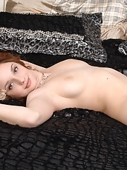 Alluring naked beauty